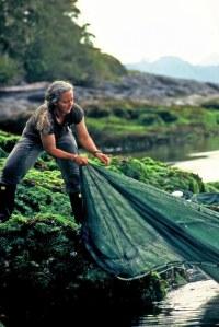 Alex Morton pulls on net. Photo - salmonconfidential.ca
